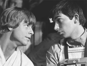 Fake Wedge and Luke during the Yavin briefing