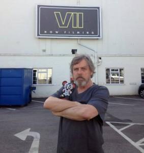 mark-hamill-pinewood-studios-star-wars-episode-7-530x562
